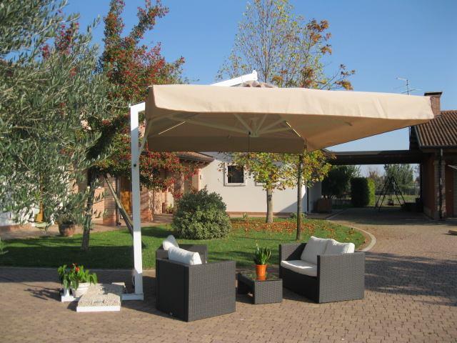 Produzione e vendita ombrelloni scopri cortina for Ombrelloni da esterno ikea