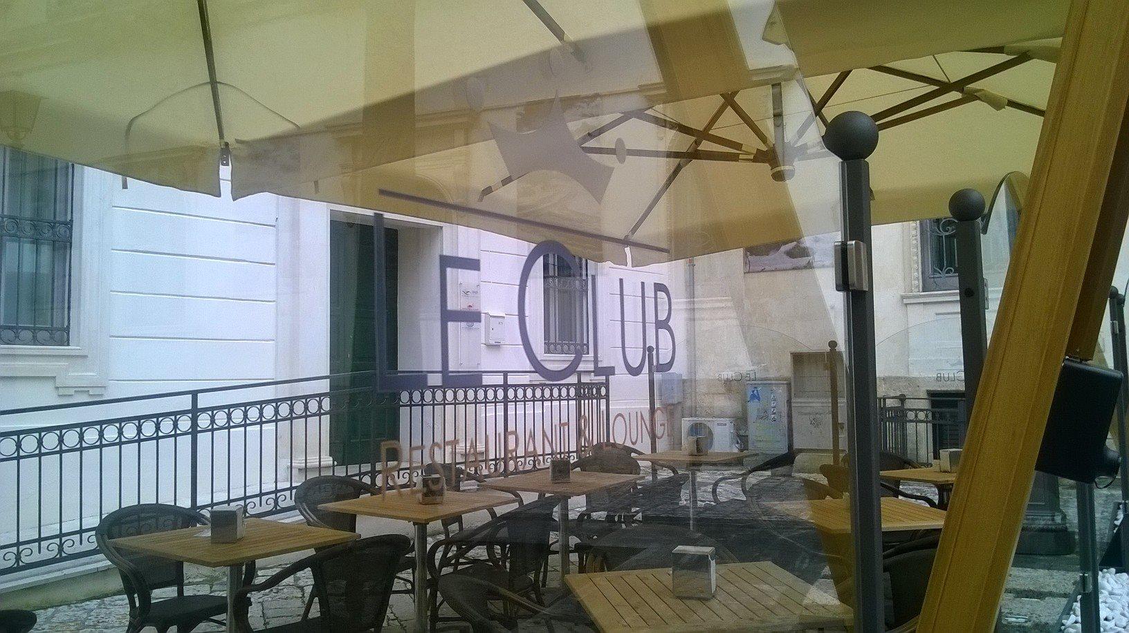 Le club lecce ombrelloni gazebi e soluzioni per l for T green srl